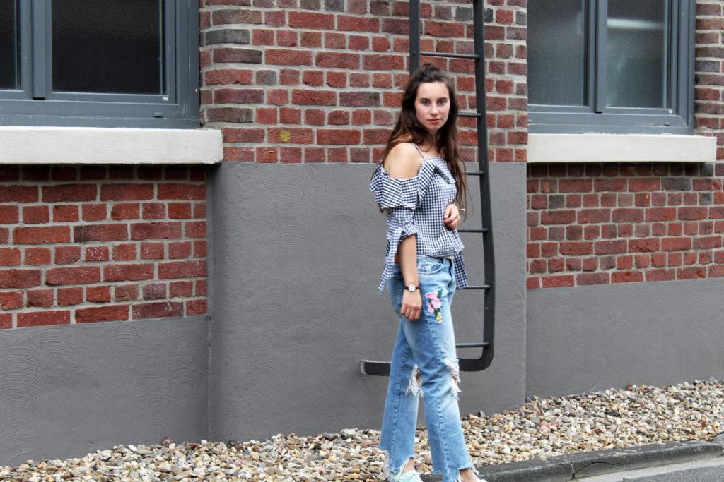 Destroyed Jeans mit Blümchen