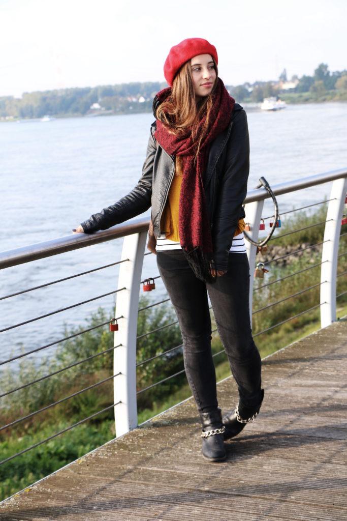 Herbstlook mit Baskenmütze