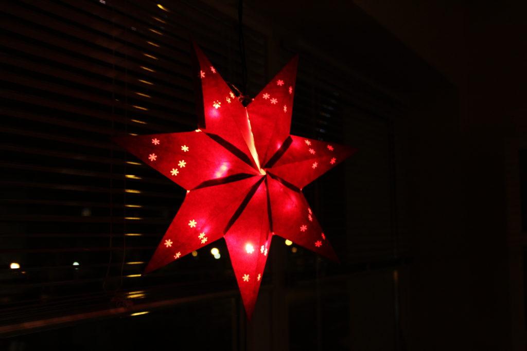 selbst basteln: leuchtender Weihnachtsstern
