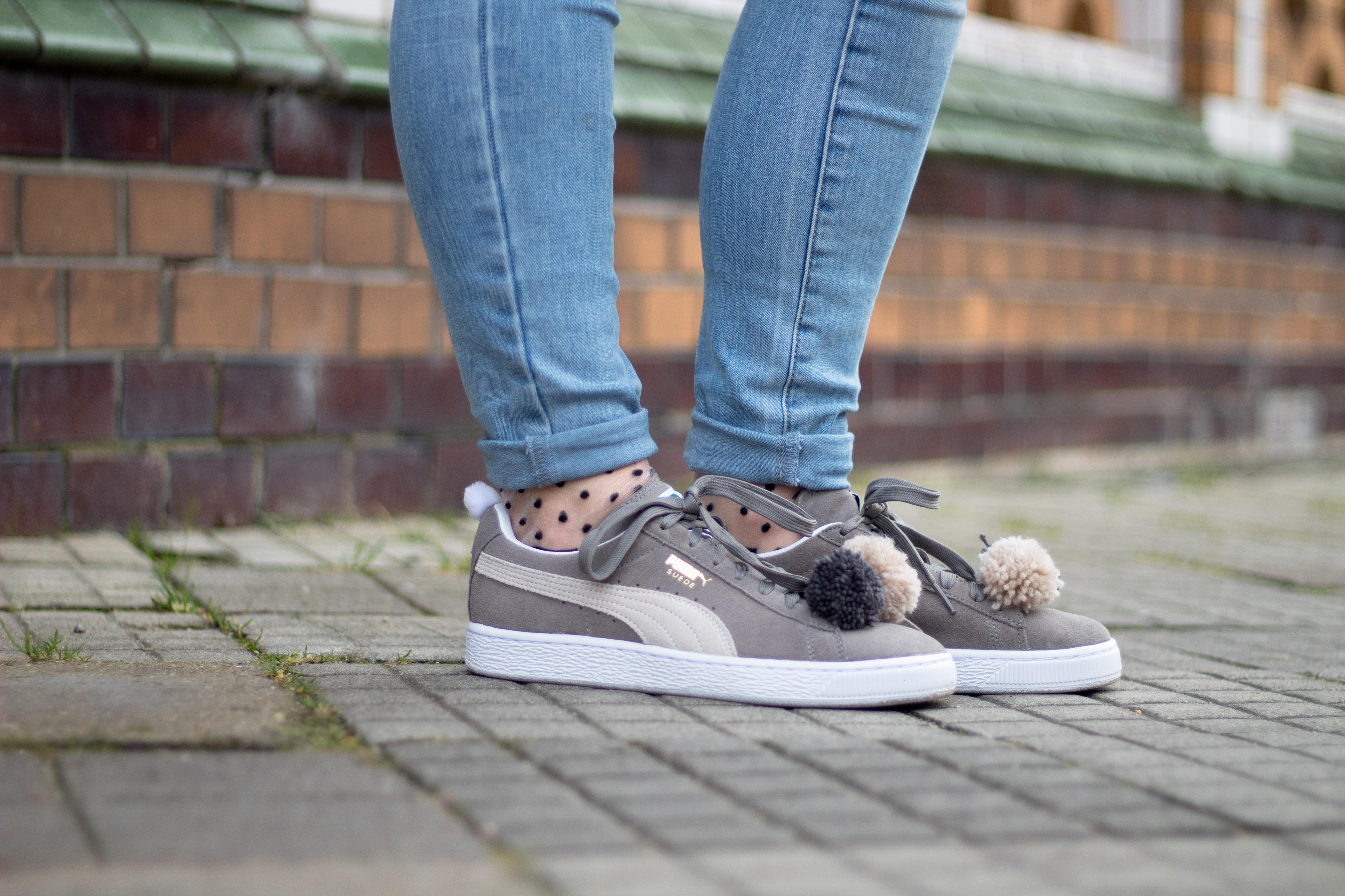 Puma Sneaker und Pünktchen Socken