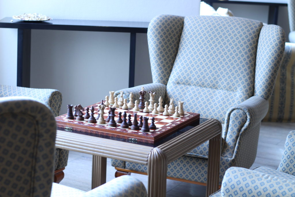 Schach spielen im Cliff Hotel Rügen