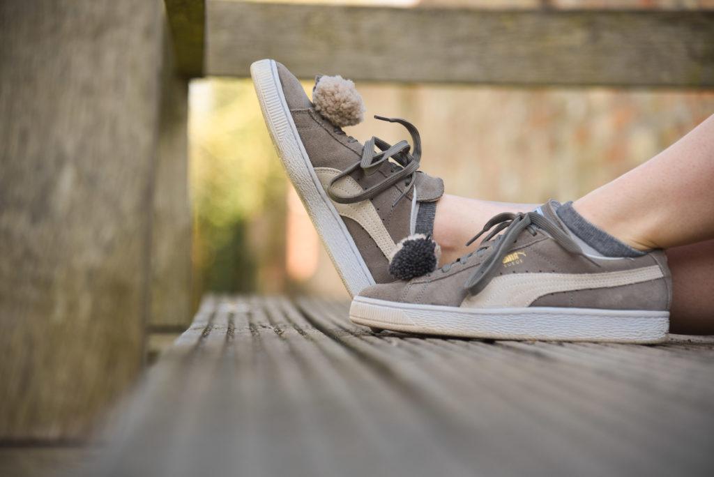 Sneaker von Puma mit Bommeln