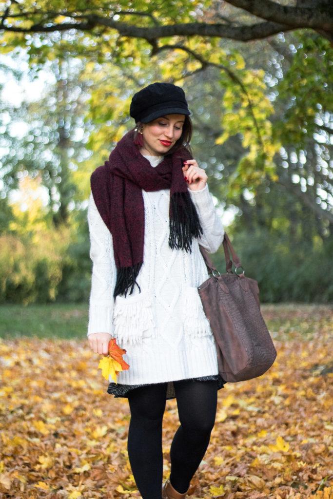Herbstspaziergang mit Strickkleid