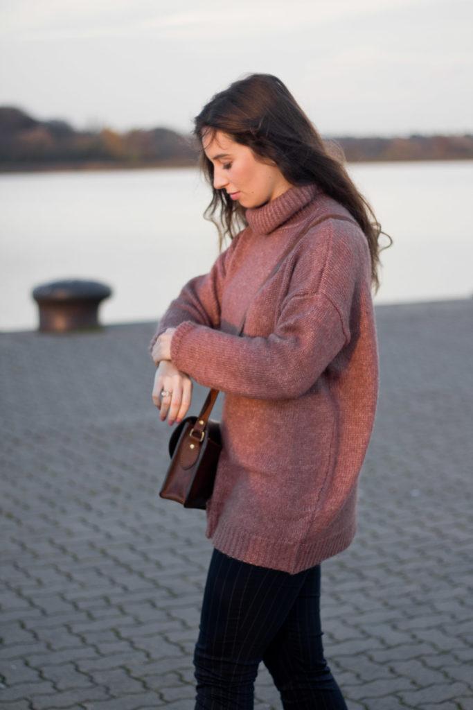 Herbststimmung mit Rollkragenpullover