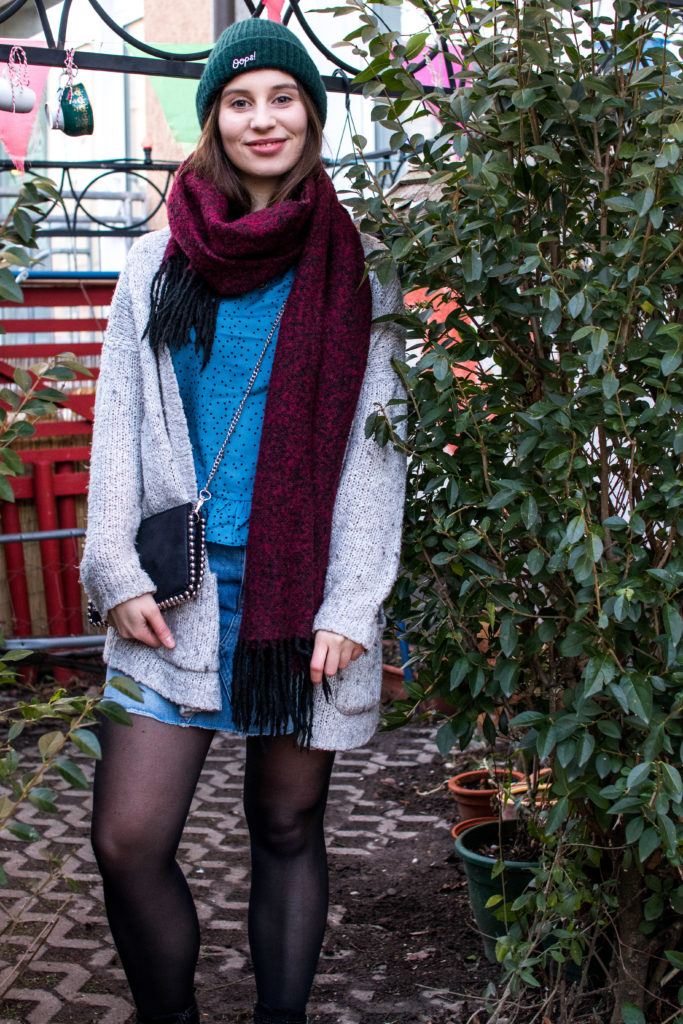 Fashionbloggerin Leni in einem lässigen Alltagsoutfit