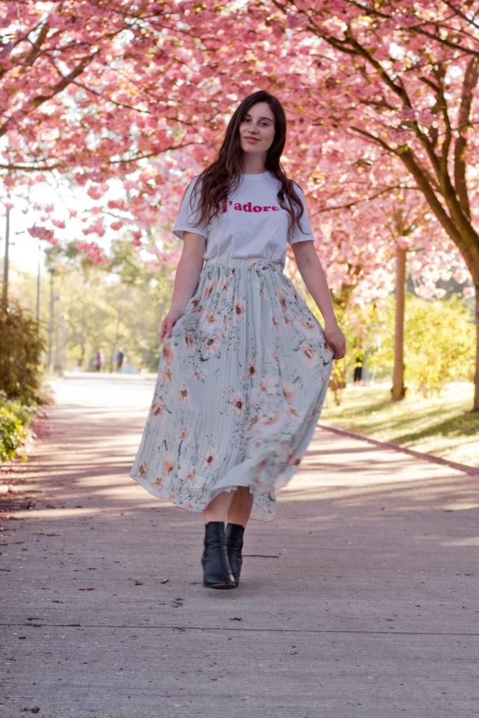 Midirock mit Cherry Blossoms