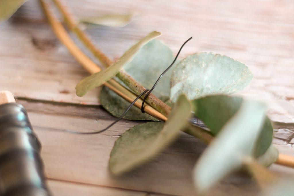 minimalistischer Kranz mit Eukalyptus