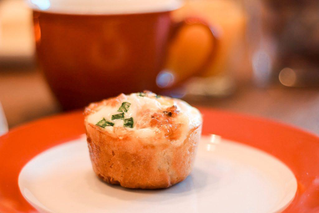 Frühstücksmuffins mit Ei